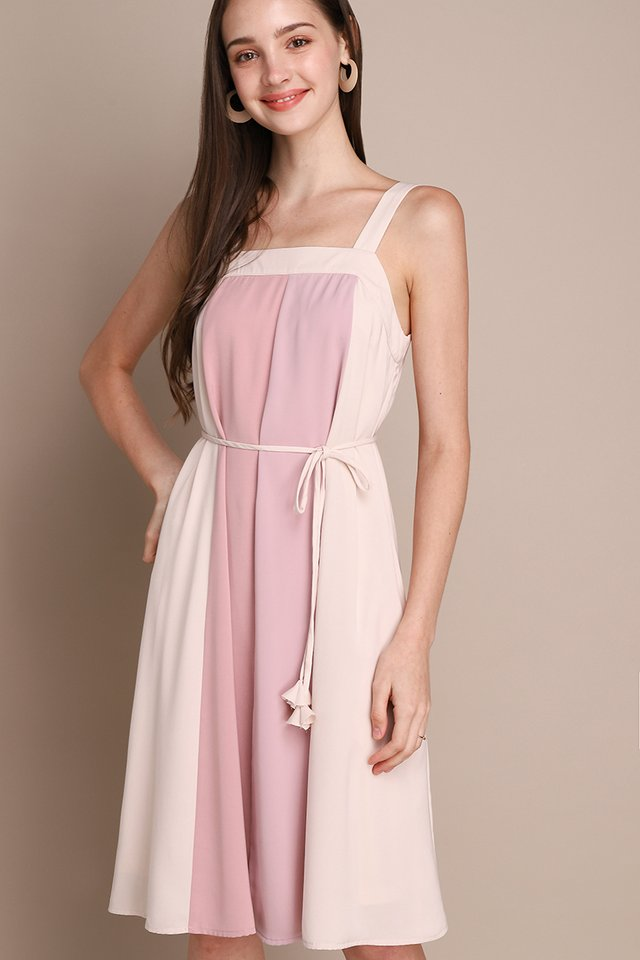 French Palette Dress In Pink Lilac