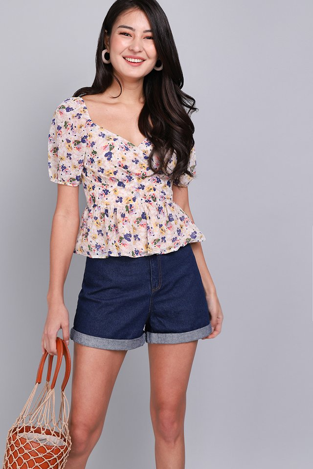 Sweet Little Things Top In Poppy Florals