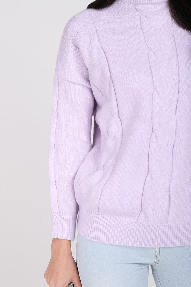 Winter Vacation Pullover In Lavender