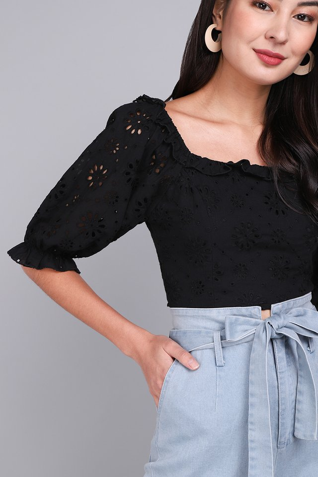 Sweet Ensemble Top In Classic Black