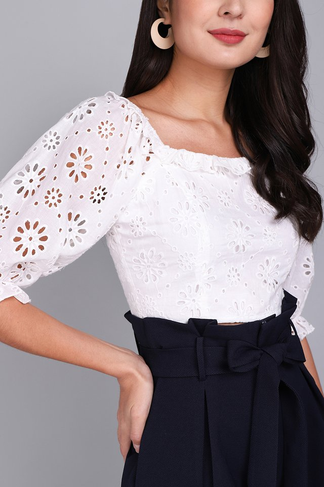 Sweet Ensemble Top In Classic White