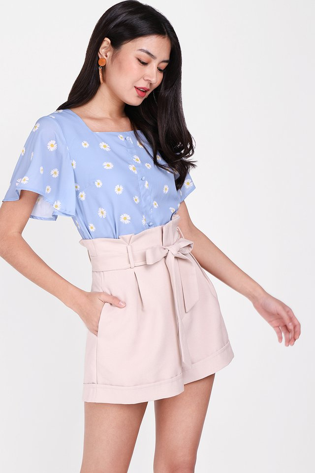 Dreaming Of Daisies Top In Sky Blue