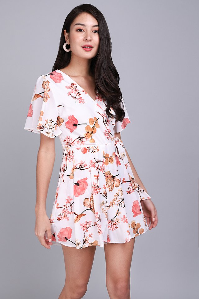 [BO] Endless Possibilities Romper In Coral Florals