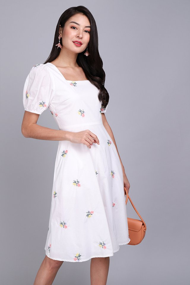 [BO] Gardenia Walk Dress In White Florals