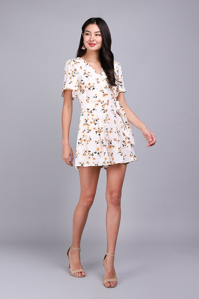 [BO] Endless Possibilities Romper In Yellow Florals