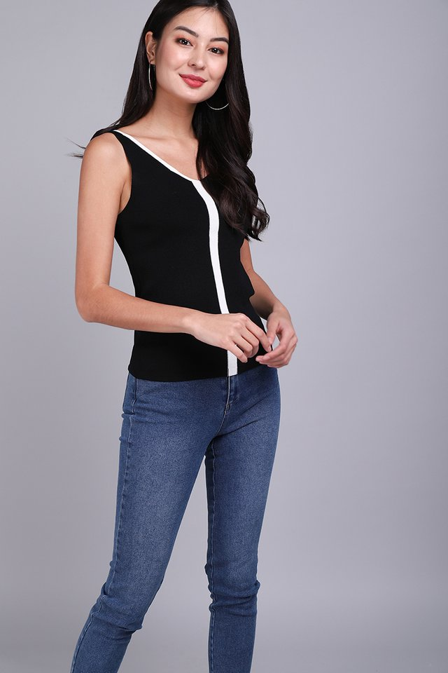State Of Style Top In Classic Black