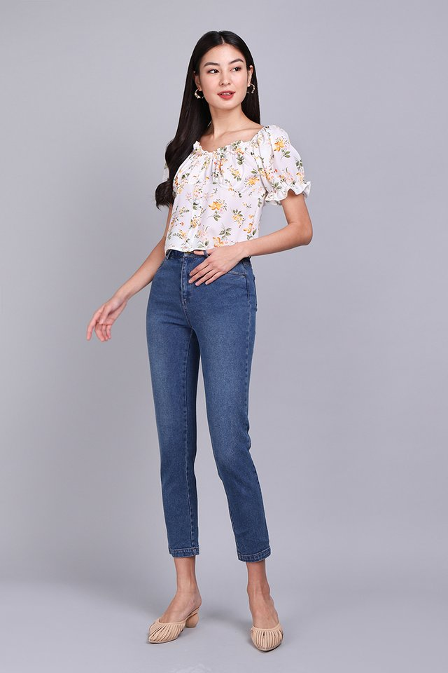 Forecast of Sunshine Top In Yellow Florals