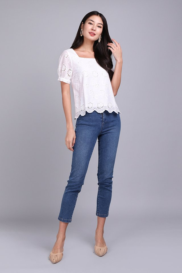 Dainty Wish Top In Classic White