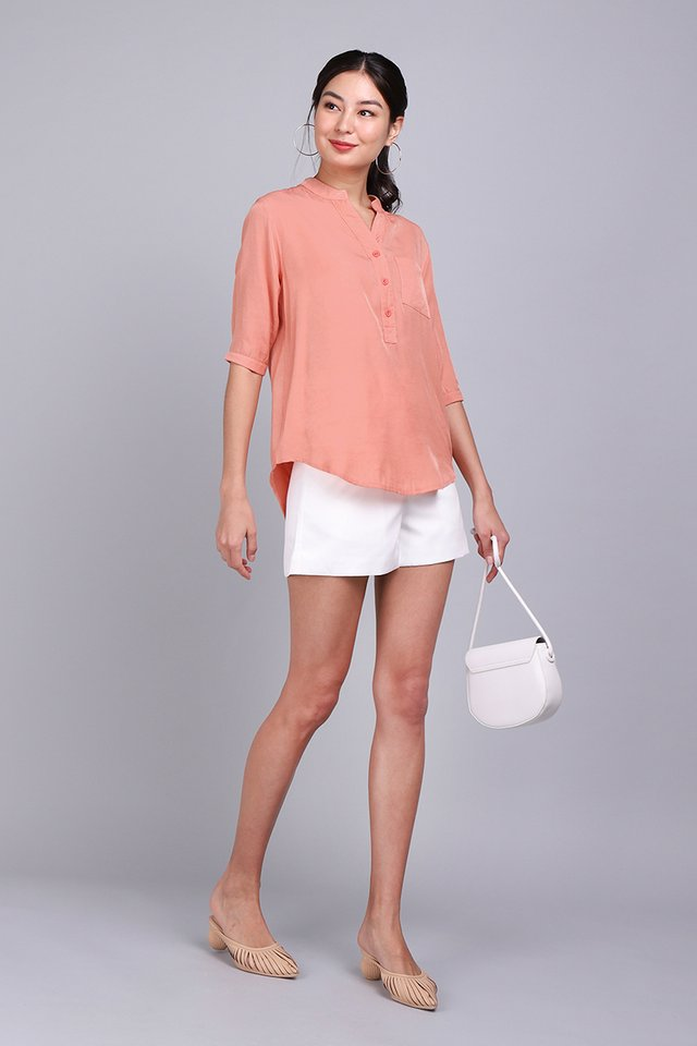 City Dweller Shirt In Apricot