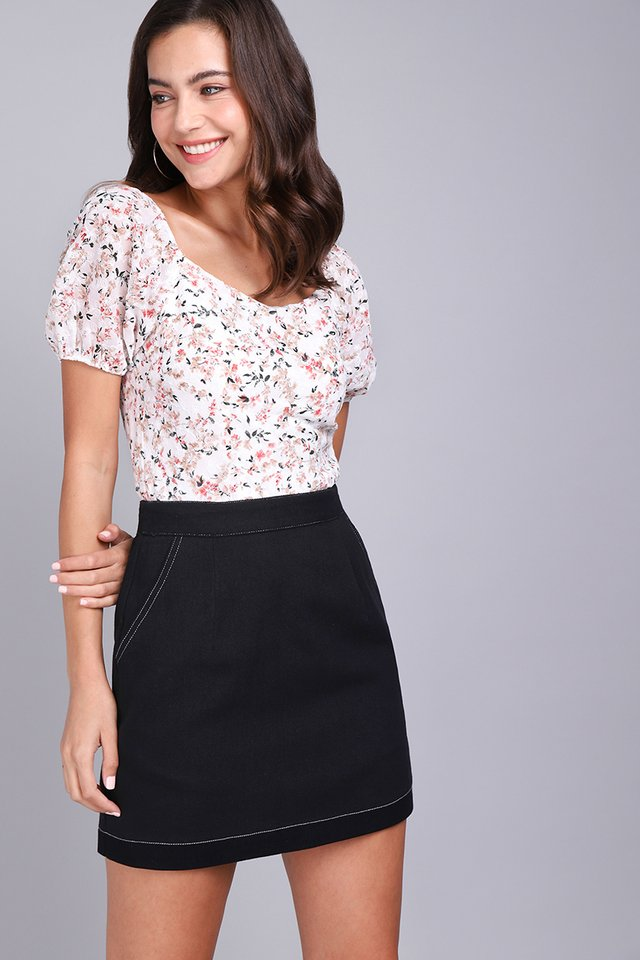 Path Ahead Skirt In Classic Black