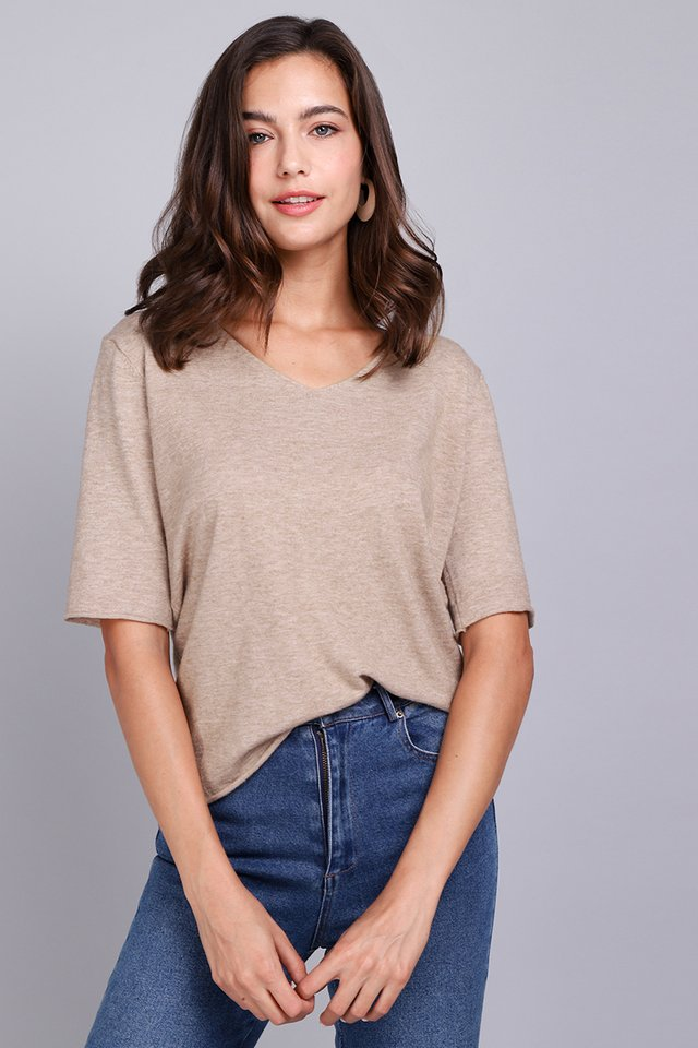 Comfort Seeker Top In Cocoa