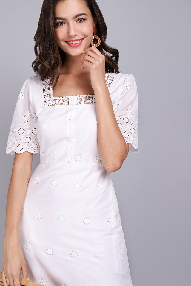 Oui To Summer Dress In Classic White