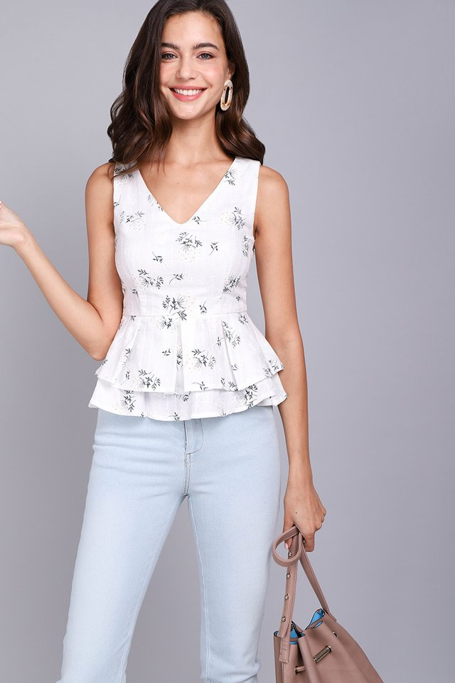 [BO] Girl About Town Top In Whimsical Florals
